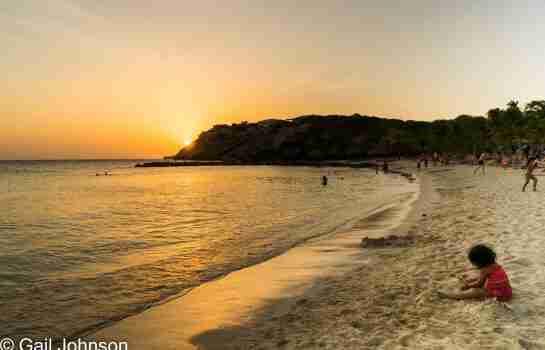 Curacao Dive Site Guide | Blue Bay Beach | Dive Curaçao