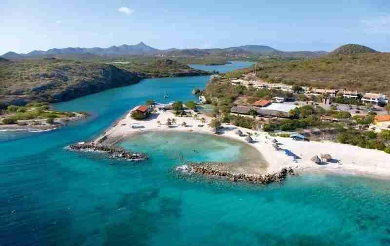 Curacao Dive Site Guide | Santa Martha | Dive Curaçao