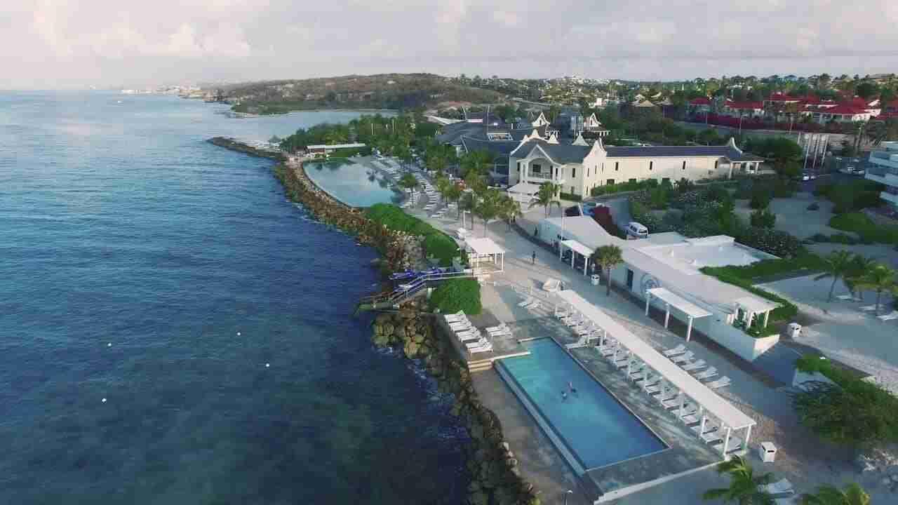Divers Leap | Curaçao Dive site Guide | Dive Travel Curacao