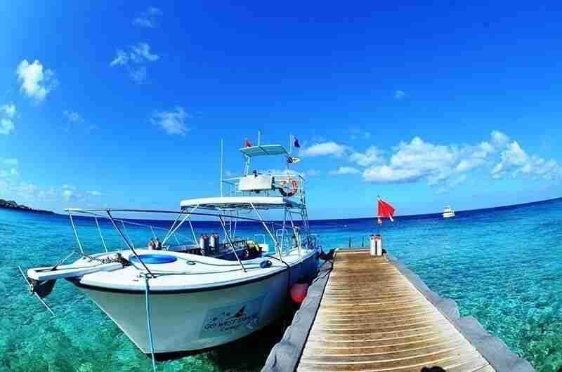 GO WEST Diving Curacao | Boat Diving | Dive Travel Curaçao