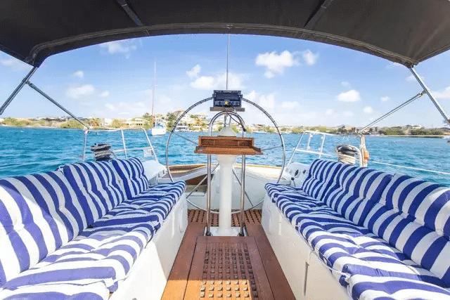 Scuba Diving in Curacao | Caribbean Dive Travel | Dive Curaçao