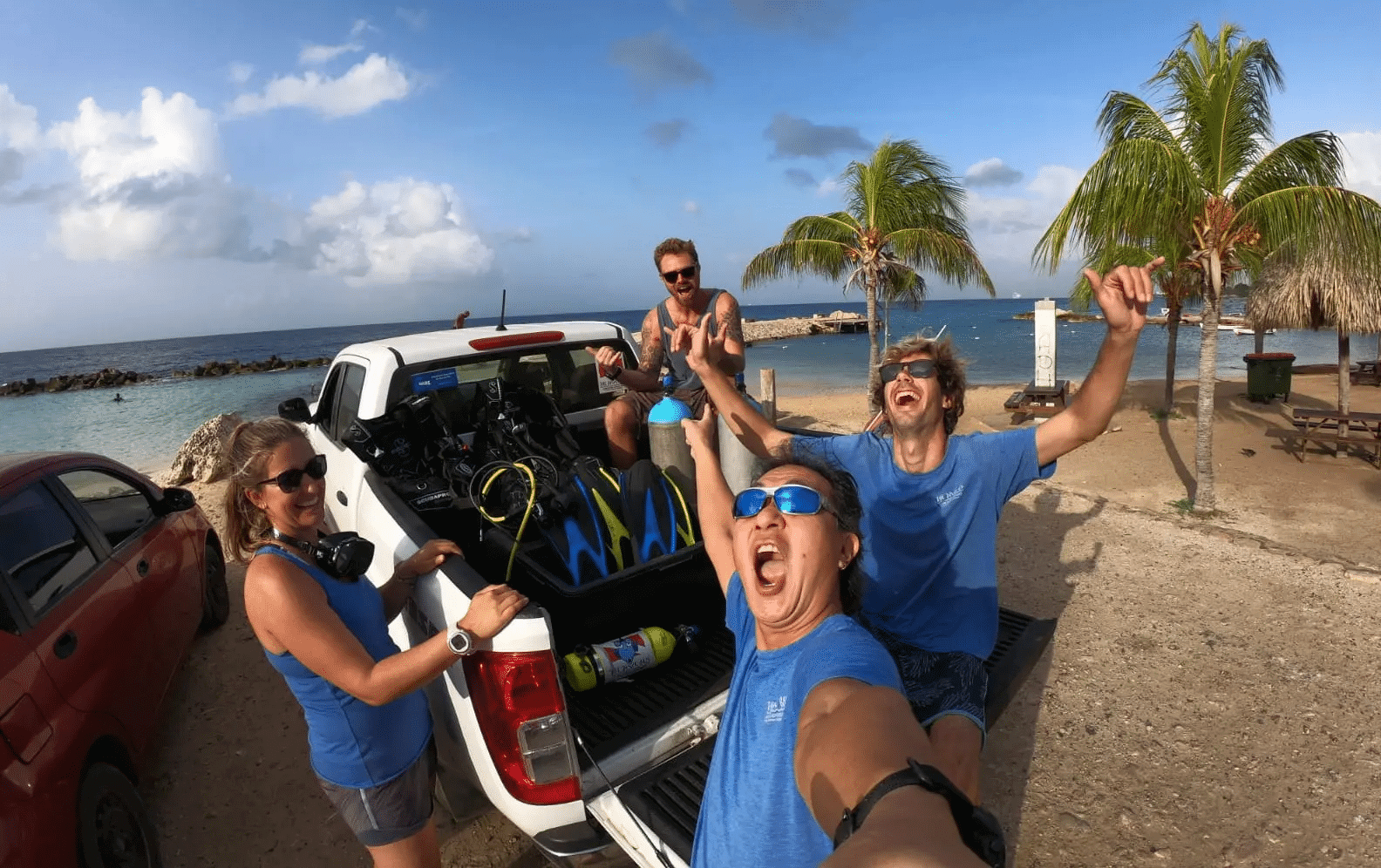Drive and Dive Packages | The Dive Bus Curaçao | Dive Travel Curacao