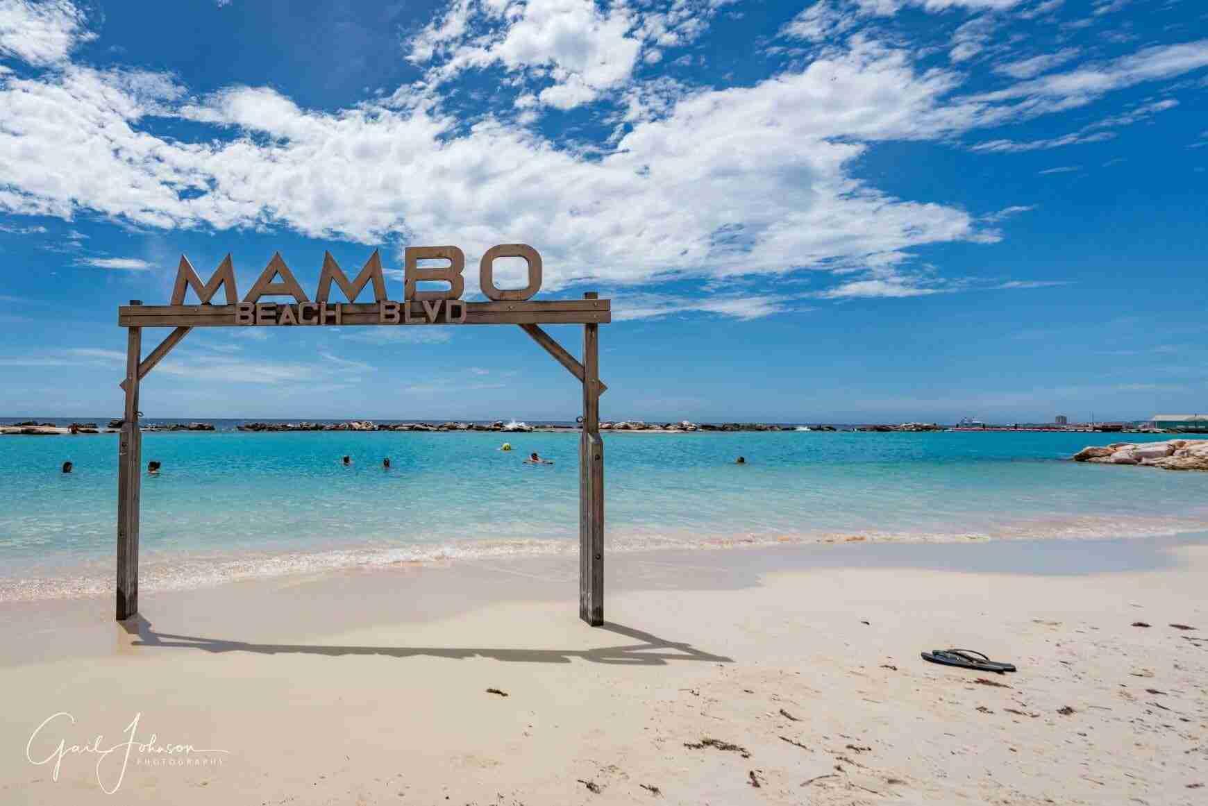 Mambo Beach Boulevard | Dive Travel Curaçao
